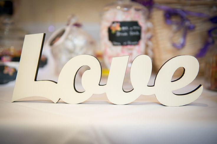wedding table decoration saying love
