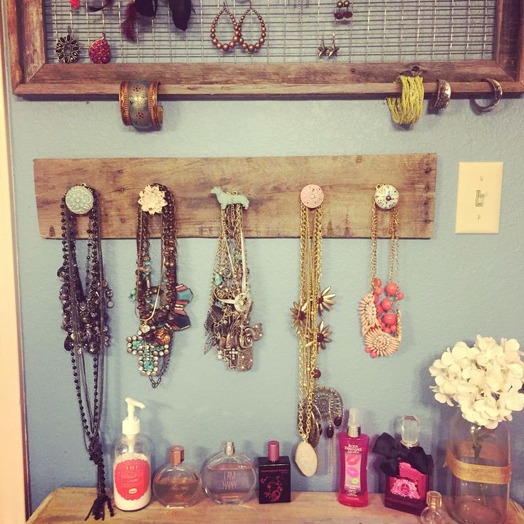 Bathroom- Jewelry holder