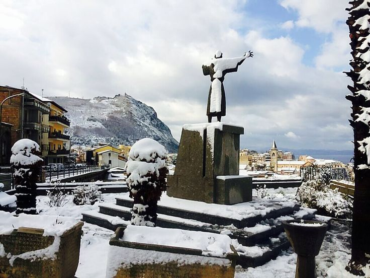Monumento a San Francesco, Palmi, Italia