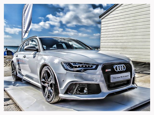 Now in love with this beast: Audi RS6 Avant ( the new cadillac coupé is quite nice too)