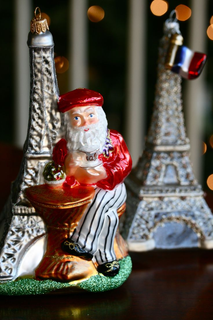 'suze Moi? I Am Not Ze Santa Claus You Are Looking For I · Custom Christmas  Ornamentsglass