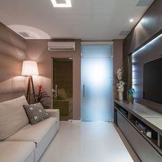 Com espaços cada vez mais reduzidos encontrar uma obra com home íntimo é raridade mais este tivemos o privilégio de elaborar um ambiente aconchegante. CURTA!! #decorating #follow #tagsforlikes #instadaily #instagood #instadecor #instword #inspiração #homeluxo #luxo #interiores #giovanesilva #actualdesign #projeto #design #designinteriores #home #decor #decoration #cool #interiordesign #inspiriration #architecture #details #style #furniture #homestyle