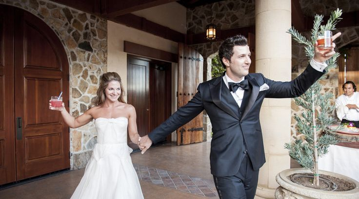 Top 10 Ways to Cut Alcohol Costs at Weddings