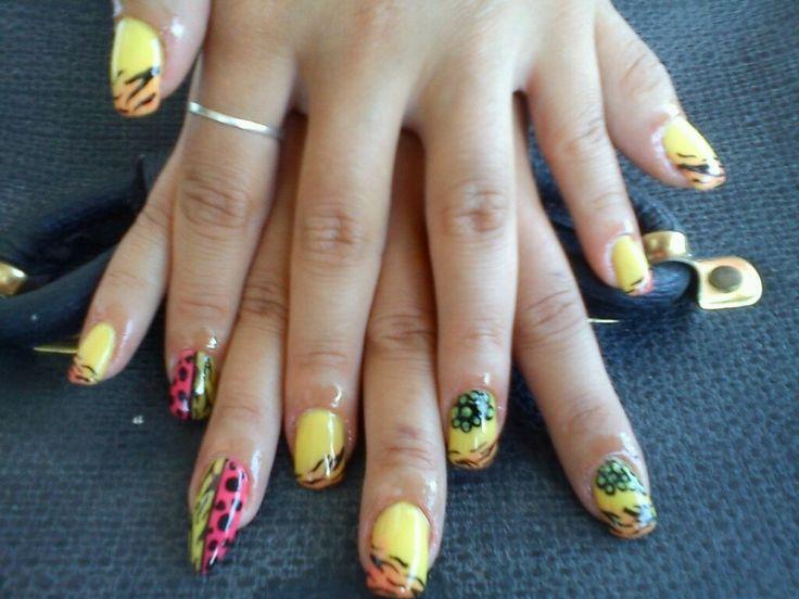 summer nails.. <3