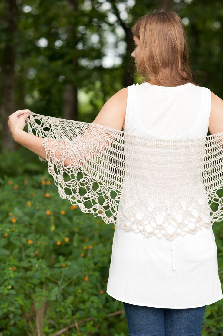 queen anne's shawl, designed by: rebecca velasquez | Quince & Co. #crochetpattern #crochetshawl