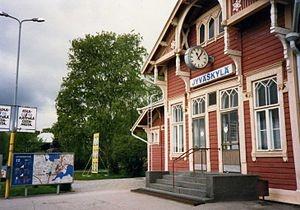 300px-Jyvaskyla_old_railway_station_in_1987.jpg (300×210)