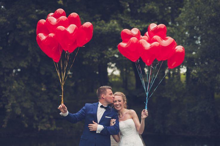 #fotografiaslubnatorun #zdjeciaslubne #fotograftoruń #plenerslubny #4moments #love # czerwonebalony #czerwoneserce #miłość