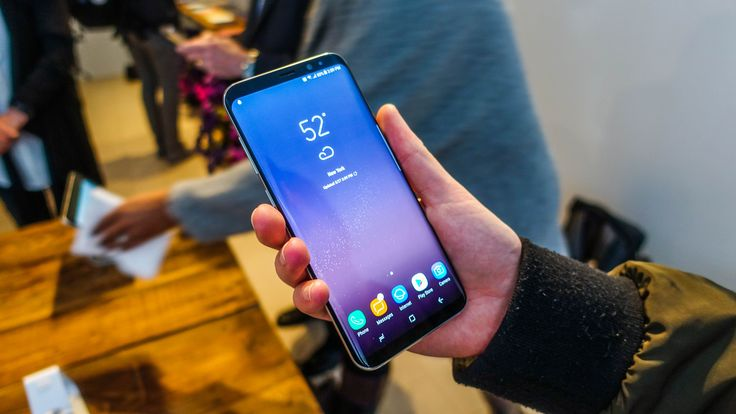 Samsung Galaxy S8 vs Samsung Galaxy S8 Plus: what`s the difference? - http://mobilephoneadvise.com/samsung-galaxy-s8-vs-samsung-galaxy-s8-plus-whats-the-difference