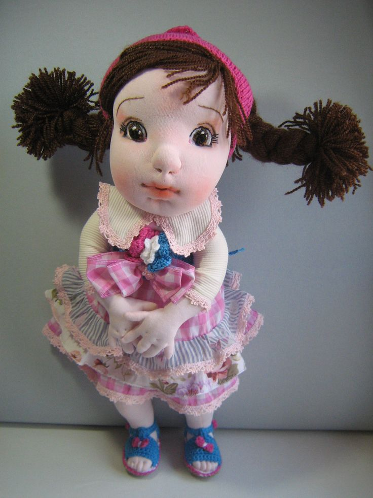 """Maria Negreanu a adăugat 5 fotografii noi. 2 martie la 21:53 · editat ·  Litle TINA NEW DRESS,is a18""""soft scultured doll.The doll id made a soft good quality fabrics and yarns. .https://www.etsy.com/shop/InaBoutiqueHandmade…"""