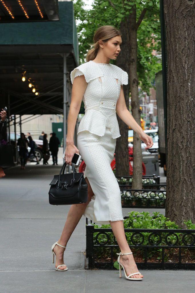 Gigi Hadid ha descubierto que existen alternativas casual para no ir siempre con leggins cuando no trabaja...