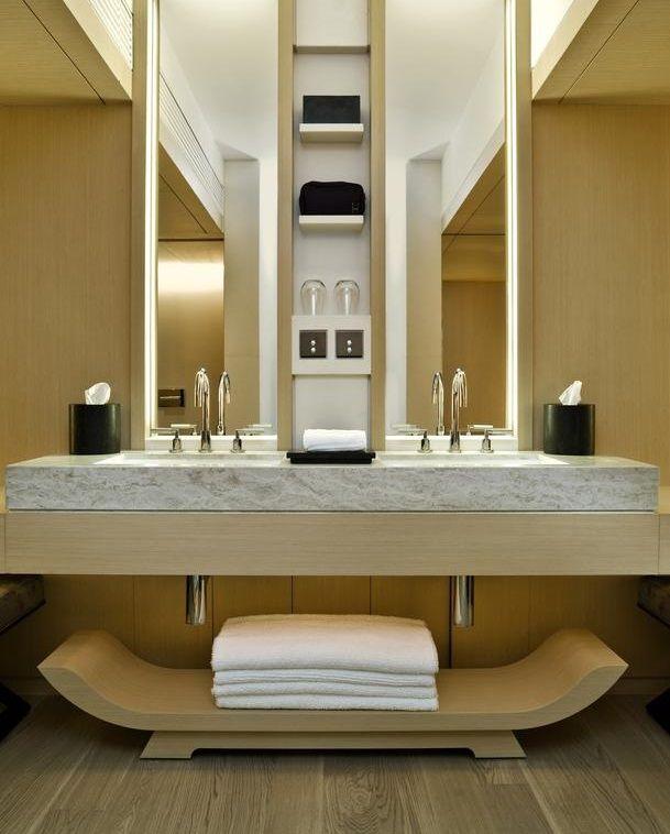 25+ bsta Luxury hotel bathroom iderna p Pinterest ...