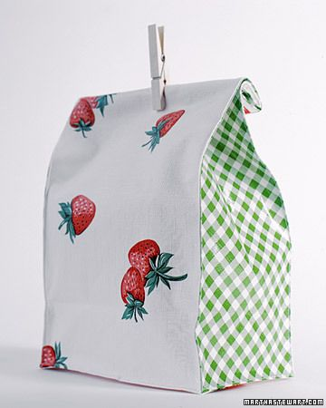 Oilcloth Lunch Bag How-To