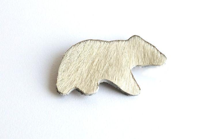 Biały miś - broszka w Yanti na DaWanda.com