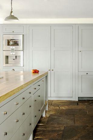 Bespoke Oak Kitchens - Hampshire Hop Kiln 3