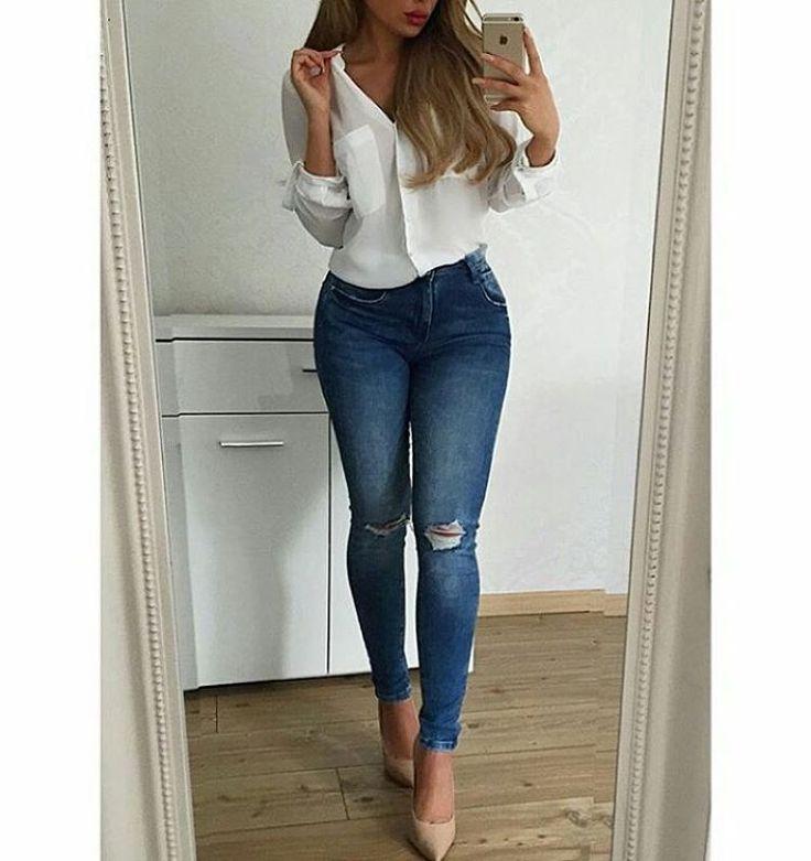 KUP PODOBNE BUTY: http://www.renee.pl/obuwie_damskie/szpilki/szpilki_wonderland_5005_bezowy.html  heels, szpilki, zamszowe, beige, pastel, hips, curvy, ootd, mirror, selfie, mirrorcheck, inspiracja