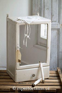 17 meilleures id es propos de anciennes armoires pharmacie sur pinterest - Armoire industrielle ancienne ...
