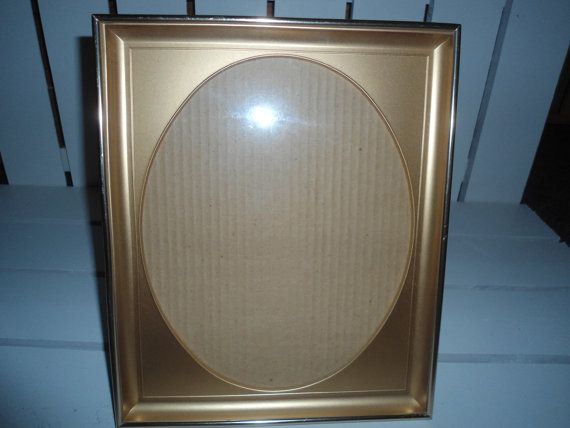 27.12 kr. Vintage Brass Shadow Box Frame by ChangingTreasures on Etsy