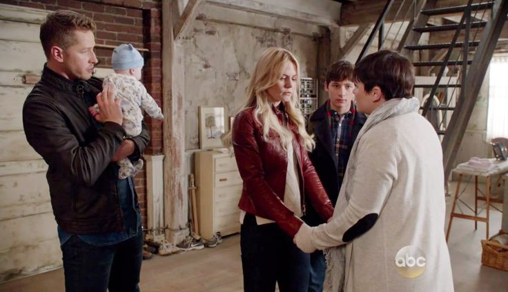 """David, Baby Neal, Emma Swan, Henry and Snow White - 5 * 21 """"Last Rites"""" #Charmings"""