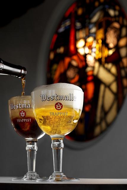 Brewery Westmalle, ook lekker half-half (tripel en dubbel in zelfde glas), de beste tripel trappist maar iets te straf
