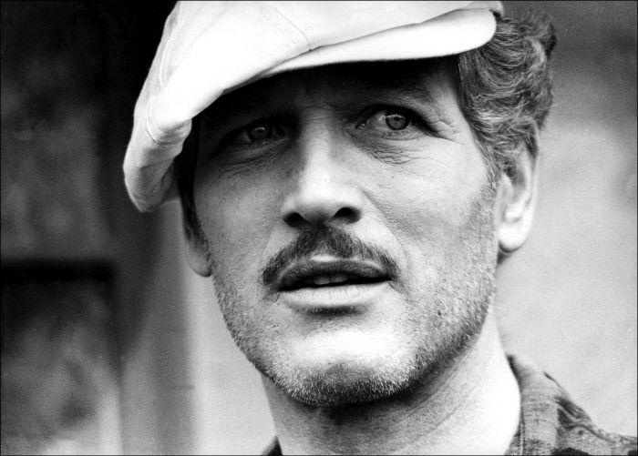 Se ne va un'Icona di altri tempi,gli occhi blu di Paul Newman che hanno segnato la storia ,Il Cinema perde una Star emulata in tutto il mondo...