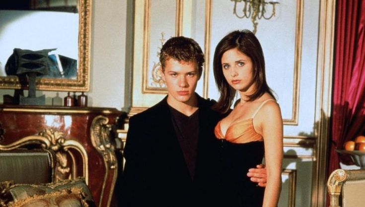 NBC is considering making their Cruel Intentions revival available through online streaming. What do you think? Would you watch?