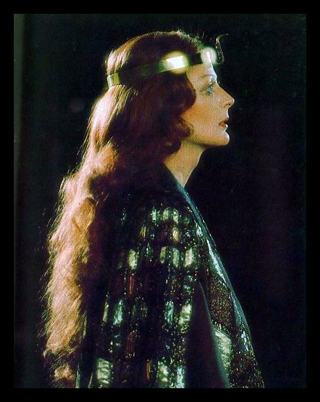 """Maggie Smith as Cleopatra - a magnificent heroine. Shakespeare's """"Antony and Cleopatra"""". Directed by Robin Phillips, Stratford, Ontario, 1976 <3"""