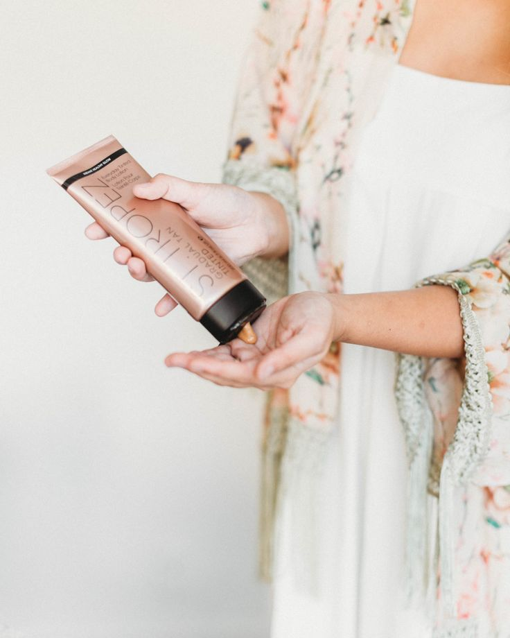 A Faux Summer Glow with St. Tropez Self-Tanner
