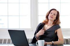 Een opvlieger ofwel opvlieging is een overgangsverschijnsel dat wordt veroorzaakt door een verminderde oestrogeenafgifte. Opvliegers worden gekenmerkt door intense warmtegolven, of zelfs hittegolven, in het bovenlichaam en gezicht. Opvliegers gaan vaak ook gepaard met een rood gelaat, een versnelde hartslag