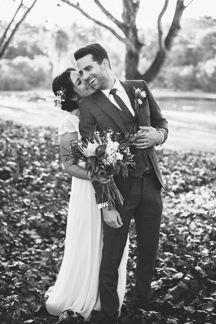 Bague de mariage : Perth fall wedding shot. Photography: I Heart Weddings  www.i…
