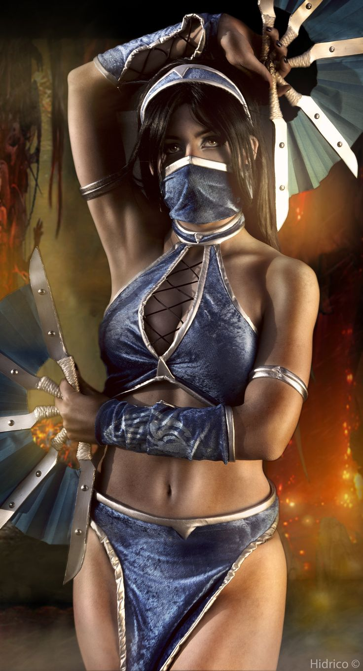 Mortal Combat Kitana Cosplay --- wow, that is a heavily 'shopped image. but the original picture was real. and a great cosplay.