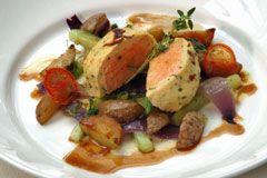 Lachssouffle auf Gemüse