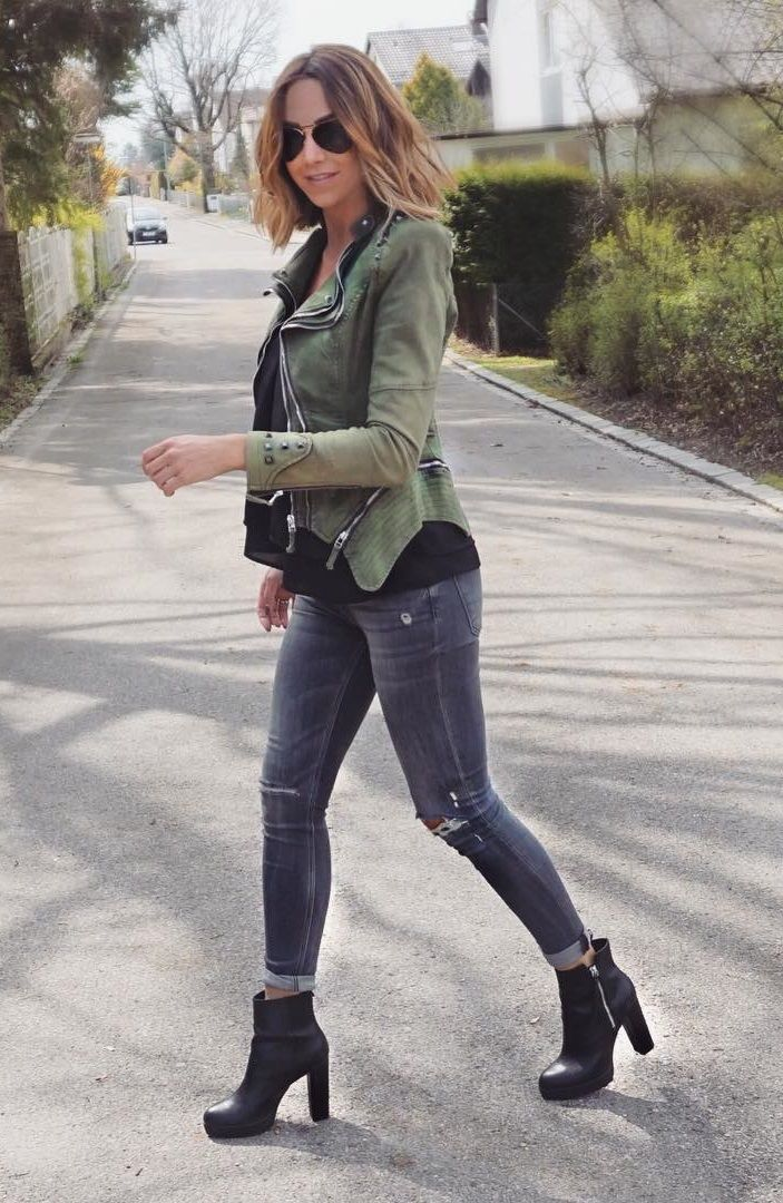 Super cool street style by Tanja Cruz in her green studded denim blazer. #LBSDaily
