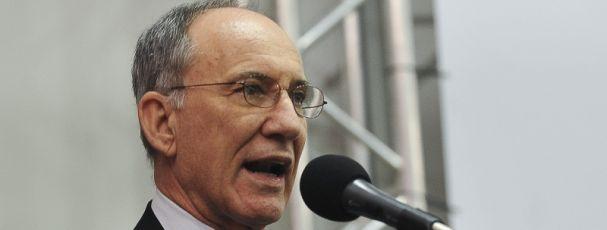 """Noticias ao Minuto - Rui Falcão vê """"clima favorável"""" para Congresso e superávit"""