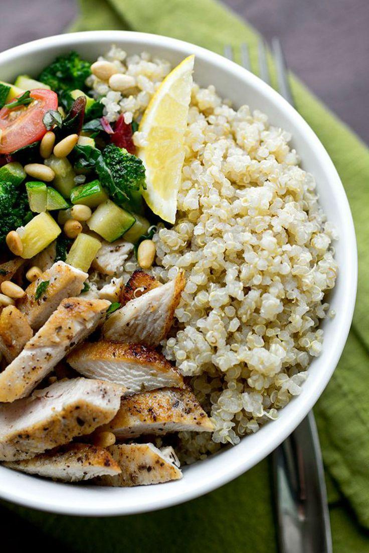 Seared chicken, zucchini, broccoli, leafy greens, and quinoa? NOM.