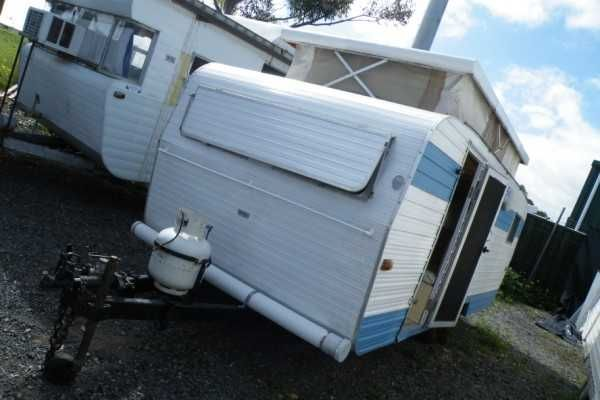 Franklin pop-top approx 15ft Mass: 720kg  GTM: 1020kg single axle..... Front couch/single bed..... side L shape dine area..... kitchen area opposite..... Double bed at rear..... Fridge.....electric plug in 2 burner cook-top with oven.... Reg: TYL-783  Aldinga Beach Motorhomes & Caravans 118 Lacey Drive Aldinga Beach SA 5173 0871232612 $3,999.00 AUD