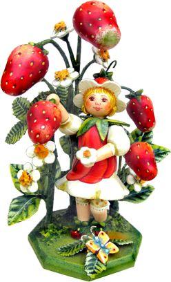 """""""Erdbeermädchen"""" Jahresfigur 2011"""