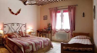 Une des Chambres d'hôtes à vendre à Saumane de Vaucluse