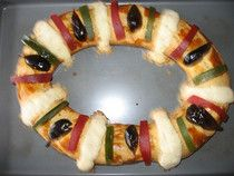 Rosca de Reyes, shared on Dia de Los Reyes Magos in Mexico, history and recipe in the book Celebraciones Mexicanas: History, Traditions and Recipes available now to pre-order at http://www.amazon.com/Celebraciones-Mexicanas-Traditions-AltaMira-Gastronomy/dp/0759122814