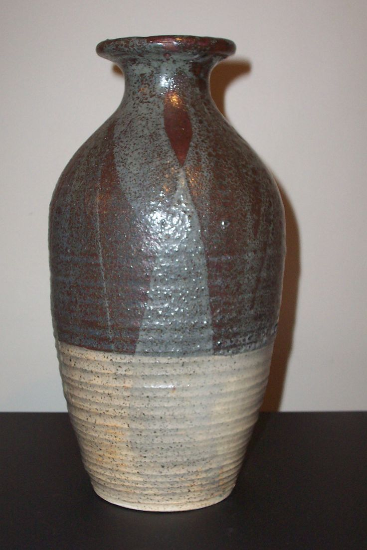 New Zealand iconic potter Warren Tippett VASE measures 285mm 11'' signed and dated 1962 In perfect condition from my private collection