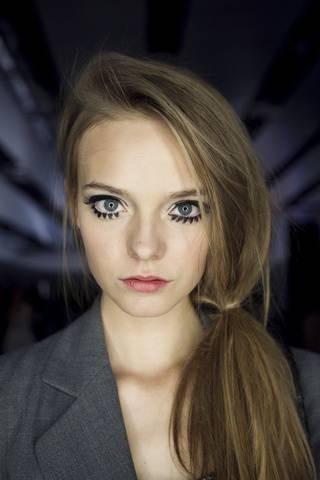 60s inspired low eyeliner