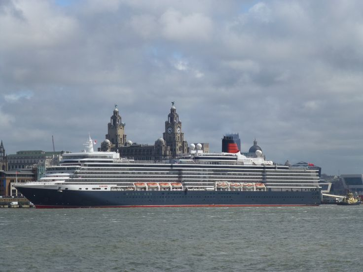 Cunards Queen Elizabeth In Liverpool For The 175 Year Anniversary