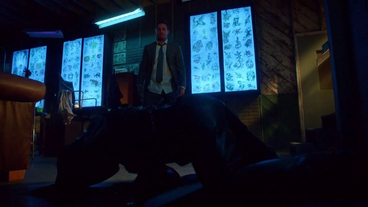 ARROW - Oliver Queen VS Green Arrow VS Count Vertigo 2.0 (Season 3, Epis...