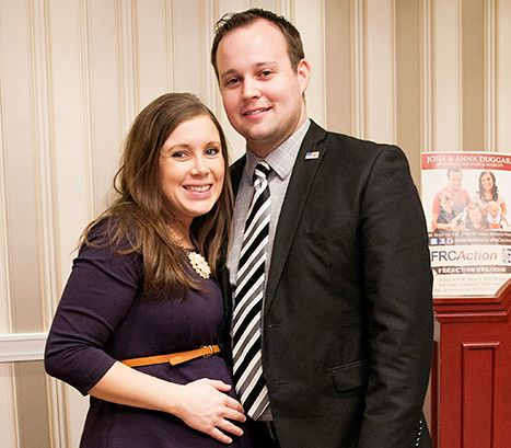 Kate Gosselin's Bodyguard Steve Neild Helps Josh Duggar During Move - Us Weekly