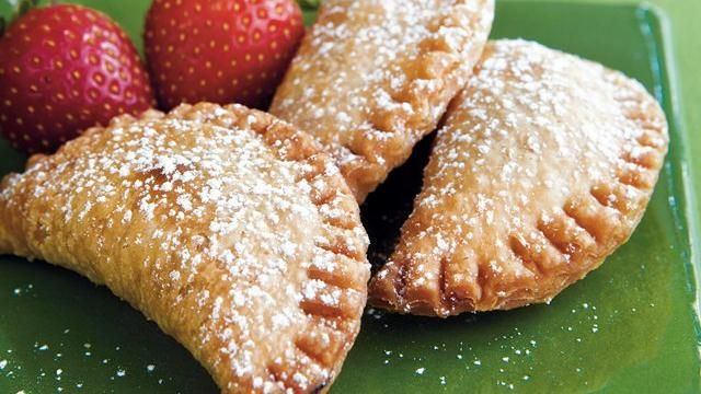 Fried Strawberry Pies Recipe: Delicious Desserts, Apples Pies, Fries Strawberries, Pies Crusts, Pies Recipes, Strawberry Pie, Fries Pies, Strawberries Pies, Food Drinks