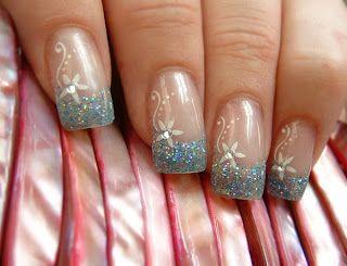 Uñas de gel decoradas