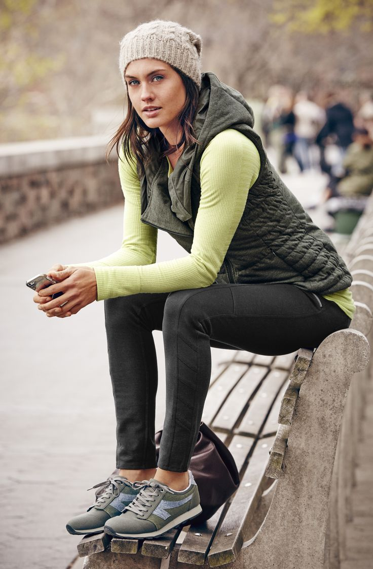 Love this sporty, active look from Athlete! Perfect for a fall jog or hike in the woods