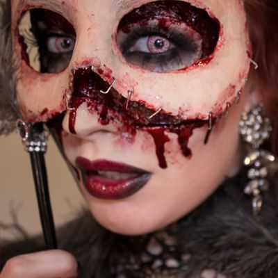 bloody skin masquerade mask so creepy yet so awesome - Bloody Halloween Masks