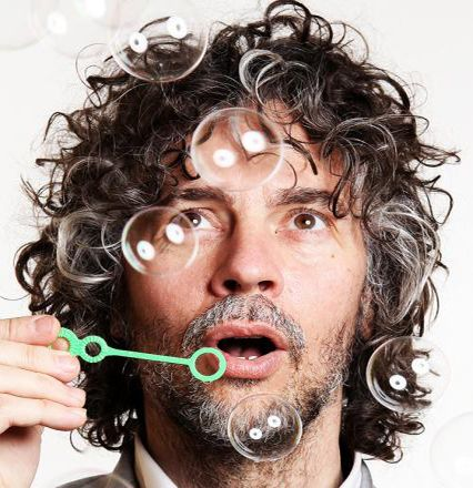 Wayne Coyne - frontman of The Flaming Lips. The curls, the smile, and the love. One of a kind, wouldn't you say? I would. He'd be great to wake up with in a huge soft bed :) Do you realize?...