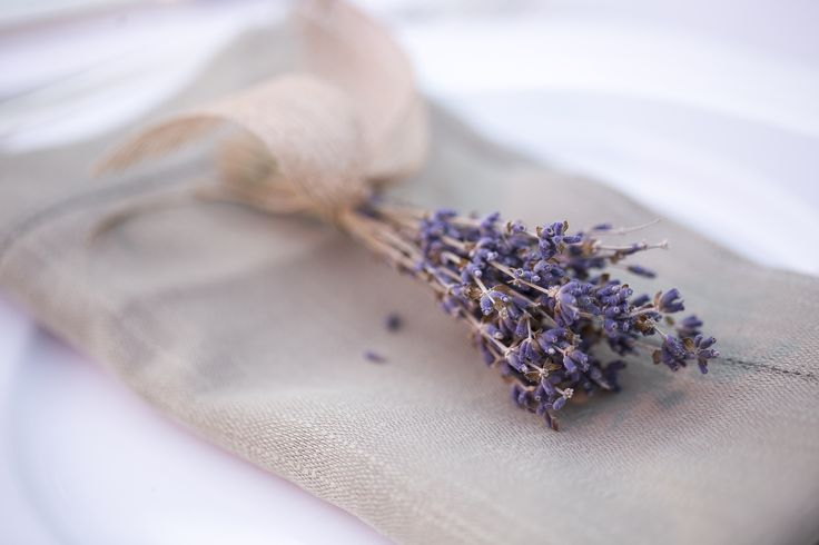 Napkin Decoration with lavender and natural fabric