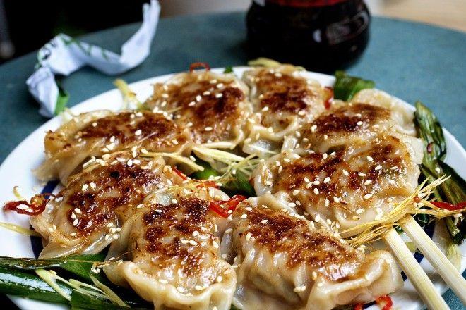 Dumplings gyoza er populær mat fra øst som har nådd oss for fullt.